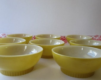 "Vintage ""8"" pc. Fire King- Anchor Hocking ware bowls."