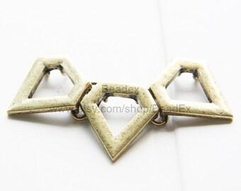 2 Pieces / Triangle / Antique Brass Tone / Base Metal / Pendant 60x34mm (CB1390//S18)