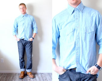 Vintage light blue jean shirt // mens hipster shirt // retro // mens button up shirt // southwestern wrangler shirt // hipster style shirt