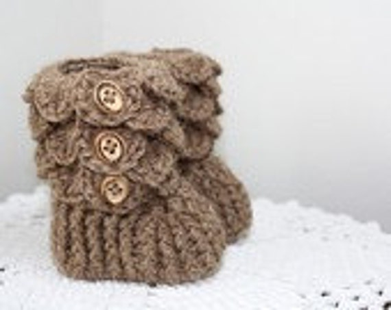 Alpaca Crochet Baby Booties, 0-6 months size, Made to Order, PREMIUM Alpaca fawn color yarn, quality buttons, Heirloom