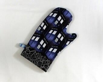 Doctor Who Tardis Oven Mitt Pot Holder
