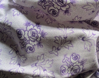 Vintage French Faded Fabric Lilac Roses White Leaves Spots Suitable for Dolls Clothes Patchwork Quilting Lavender Bags Feedsack Pillow