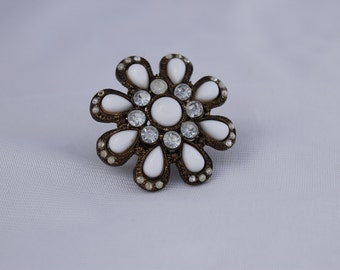 Vintage White Flower Ring Stretchable Band
