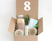 Weddings Gifts and Momentos complete Spa Gift Set x 8  Bath Sets great for bridesmaids, coworkers, holiday gifts for friends family