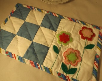 Patchwork and Flowers Snack Mat