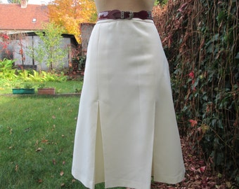 Big Size Skirt Vintage / White / Size EUR 50 / 52 / UK 22 / 24 / One pocket / Lining