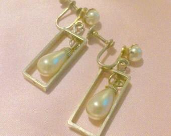 Vintage Gold Tone Faux Pearl Drop Earrings