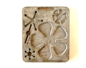 Vintage Fun Flowers Creepy Crawler Mold for Mattel Thingmaker #4520-053 c (c.1966) - Collectible Toy, Flower Mold, Curio Cabinet Oddity
