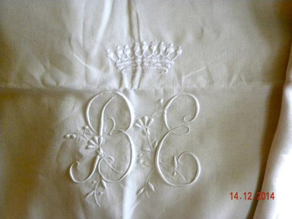 drap ancien en lin chiffre be avec couronne comtale. Black Bedroom Furniture Sets. Home Design Ideas