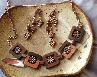 Copper and wooden bead necklace and earring set