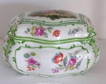 Porcelain - Jewelry - French vintage Porcelain jewelry box