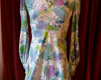 Boho Chic handmade 1970s Maxi Floral Multi Color Dress Medium to large polyester Green purple Leaf print