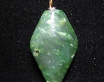 Jade pendant with silver bail 68ct