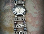 Narural black pearl and sterling silver unique wrist watch - vintage look