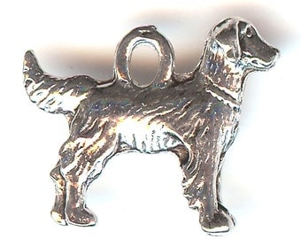 GOLDEN RETRIEVER Charm. Pewter. Two Sided Setter. Made in the USA.