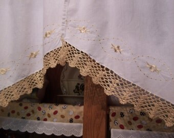 "Pretty Vintage 58"" x 29"" Swag Pair ~ Ant. White Cotton, Embroidered Tan Flowers & Crocheted Edge (DM)"