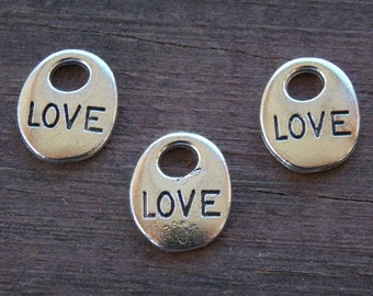 12 Silver Love Charms Oval 14mm