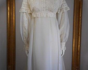 Vintage 1970's White Empire Waist Wedding Dress - Size 12