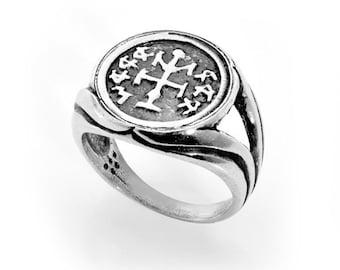 WINNER amulet ring