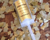 10 Gold Wedding/Party Confetti Poppers for a wedding, party or New Years - with Gold monogram sticker