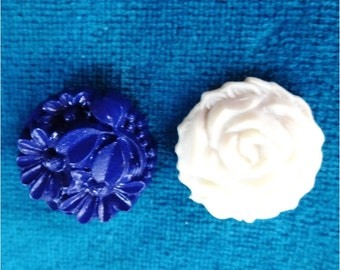 2 Vintage Flower Buttons Off White and Navy