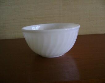 "Fire King 7 3/4"" Mixing bowl, Swirl Pattern"