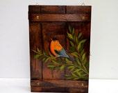 Hand painted bird, bird art, retro key rack, retro key organizer, personalized key box, key box, wooden key box, bird key box