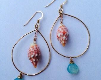 Gold tear drop miter shell earring