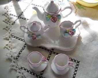 Teaset With Applied Flowers, 10 Pc. Miniature Teaset Pink With Roses