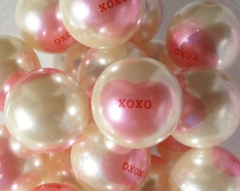 Valentine, 20mm, 8CT, Pearl White and Pink Candy Heart Print Gumball Beads, H22