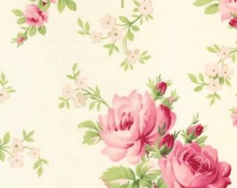 Barefoot Roses by Tanya Whelan White Stemmed Flowers 1 Yard