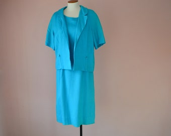 25.00 Sale. Vintage 1960's Turquoise Spring Dress Suit. Short Sleeve Jacket. Turquoise Linen. Sleeveless Shift. Size Medium / Large - VDS132