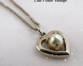 Pearl Gold Tone Heart Necklace Simulated Mid Century Pearl