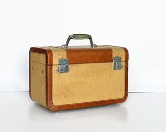 vintage tweed leather train makeup case Wheary 1940s luggage