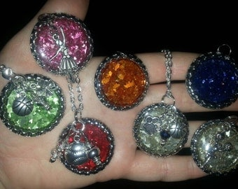 Customizable German Glitter Glass Spirit Bottle Cap Pendant with 3 Charms (more charms cost extra)