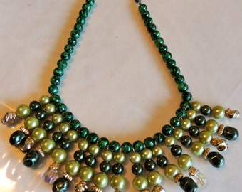 1950s Estate Emerald Green Glass Bib Beaded Necklace with Aurora Borealis Beads