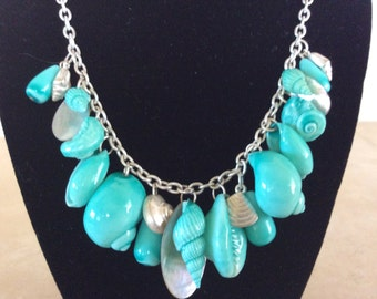 Lovely Turquoise Color Sea Shell and Mother of Pearl Necklace with Matching Earrings
