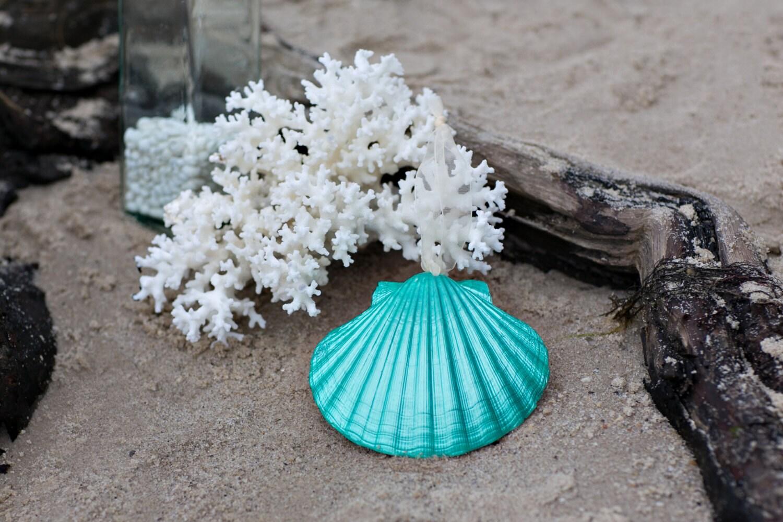 Christmas beach ornaments -  Zoom