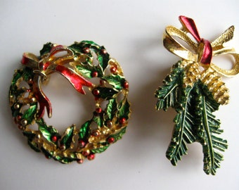 Vintage Christmas Brooch Pins  Wreath  Pinecones signed Gerry's  FREE  SHIPPING vintageshabbytochic