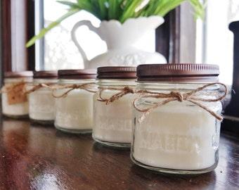 Set of 12 - 8 oz Candle Favors/ Christmas Candle Gift / Holiday Candle Gift / Soy Candle / Personalized Christmas Candle / Mason Jar Candle