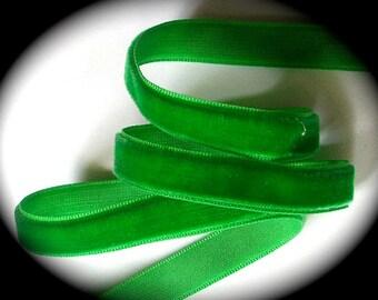 """Velvet Ribbon - 3/8"""" x 3 yards of Emerald velvet - Vintage"""