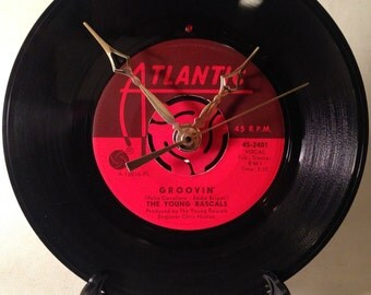 "Recycled THE RASCALS 7"" Record / Groovin' / Record clock"