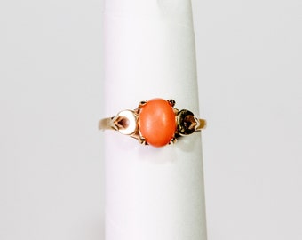 Vintage 14K gold ring with coral stone