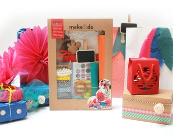 GIFT KIT. The kit to wrap your gifts in a different and original way