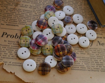 """20 pcs Small Assorted Plaid Wood Buttons 18mm 6/8"""" (WB2238)"""