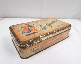 Quimper Vintage French Tin biscuit cookie box v209