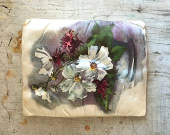 Vintage handkerchief keeper