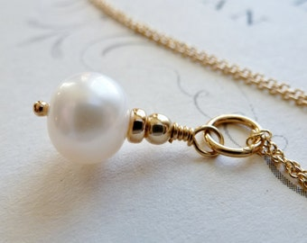 Freshwater Pearl Necklace / 14K Gold Fill / June Birthstone / Simplistic / Minimalist / SimplyJoli / Creamy White
