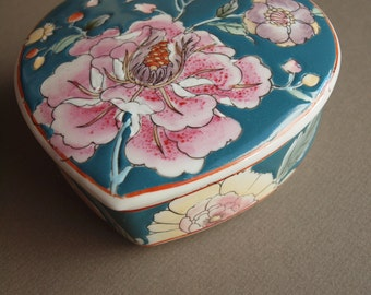 Enamel trinket box  heart - shaped lidded box pink peony on teal hand - crafted vintage decorative container small storage jewelry storage