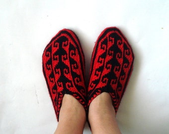 knitted slippers, Red and Black Turkish Slippers Socks, womens slippers, Slippers for women, gift for her womens slippers triangle red black